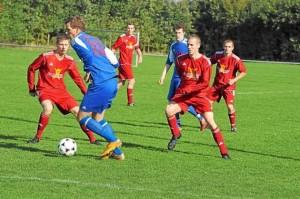 WN-Viererkette-RW-Nienborg-Schnitter-zurueck-im-Eichenstadion